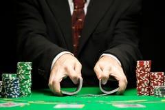 Blackjack σε ένα παιχνίδι παιχνιδιού χαρτοπαικτικών λεσχών Στοκ εικόνα με δικαίωμα ελεύθερης χρήσης