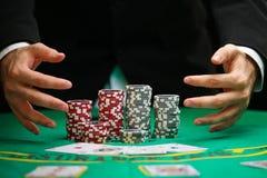 Blackjack i en kasinodobblerilek Arkivbilder