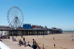 BLACKPOOL, R-U, LE 30 JUIN 2019 : Une photographie documentant la roue de ferris sur le pilier central à Blackpool photographie stock