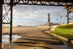 Blackpool-Turm gestaltet lizenzfreie stockfotos