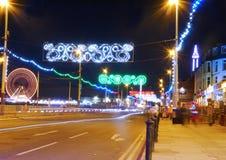 Blackpool-Turm und die goldenen Meilenbeleuchtungen in Blackpool Stockfotografie