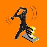 Blacksmith młoteczkowy bicie na euro symbolu Obrazy Royalty Free