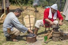 Blacksmith pracuje outdoors Zdjęcia Royalty Free