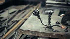 Blacksmith przy pracą w jego warsztacie zbiory