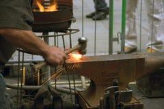 Blacksmith przy pracą Zdjęcia Royalty Free