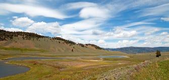 Blacktail jeziora pod chmury pierzastej soczewkowatym cloudscape w Yellowstone parku narodowym w Wyoming Fotografia Stock
