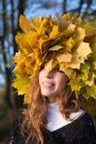 Blad-kroon meisje Stock Foto