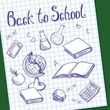 Blad van millimeterpapier met geschilderde voorwerpen op het Groene schoolbord Stock Fotografie
