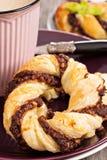 Bladerdeeg met chocolade Stock Foto's