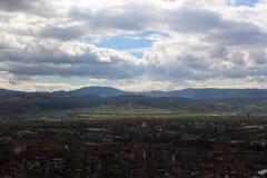 Blagoevgrad från en annan vinkel från höjdpunkt Royaltyfri Bild
