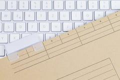 Blanc клавиатуры и папки Стоковое Изображение RF