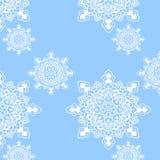 Blanc bleu de modèle de mandala de flocon de neige Photographie stock libre de droits