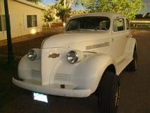 Blanc Chevy de la voiture 1939 de vintage des USA images stock