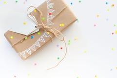 blanc d'image de cadeau du cadre 3d Dessin d'une guirlande blanche, drapeaux Backgro blanc Photos libres de droits