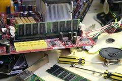 blanc d'isolement de tournevis de réparation d'infographie d'adaptateur Image stock