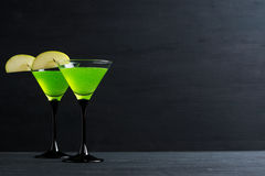 blanc d'isolement par cocktail de pomme image libre de droits