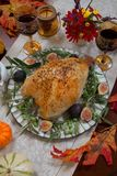 Blanc de dinde rôti entier de style méditerranéen Image stock