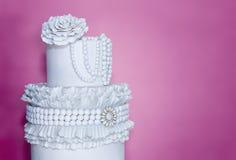 Blanc de gâteau de mariage images libres de droits