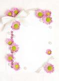 Blanc de papier avec la conception de fleurs Image stock
