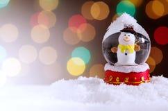blanc de vecteur de neige d'isolement par illustration de globe Photos libres de droits