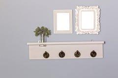 Blanc et cintre de cadres de tableau de vintage en bois Photo libre de droits