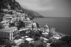 blanc noir de positano de l'Italie Photos stock