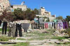 Blanchisserie accrochant pour sécher au soleil à Bethlehem photographie stock