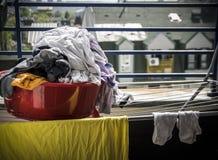 Blanchisserie sur une terrasse photographie stock libre de droits