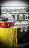 Blanchisserie sur une terrasse photo stock