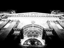 Blanco del negro de la basílica de la catedral Imágenes de archivo libres de regalías