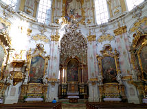 Blanco imponente, rosado, oro coloreó el interior de Ettal Abbey Church, Garmisch-partenkirchen Imagenes de archivo