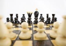 Blancos antes del juego de ajedrez Foto de archivo