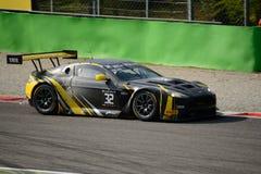 Blancpain-Reihe Aston 2015 Martin Vantage in Monza Lizenzfreie Stockfotografie
