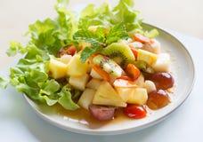 Blandad frukt för kryddig sallad Fotografering för Bildbyråer