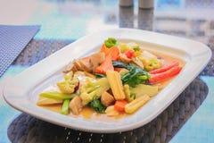 Blandad grönsak med ostronsås Arkivfoton