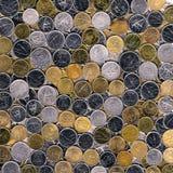 Blandad silver och kopparmynt av Kuwait bakgrund arkivbilder