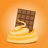 Blandad ström för choklad och för karamell, orange bakgrund Arkivfoto