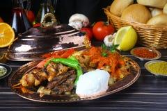 Blandad turkisk kebab arkivbild