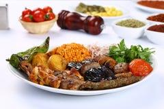Blandad turkisk kebab arkivbilder