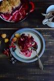 Blandade Berry Cobbler Royaltyfria Foton