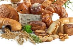 Blandade bröd som isoleras på vit Royaltyfri Fotografi