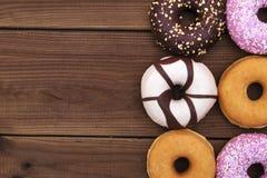 blandade donuts Arkivfoto