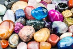 Blandade färgrika juvlar Royaltyfri Foto