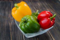 Blandade färgrika variationer av söta peppar Royaltyfri Foto