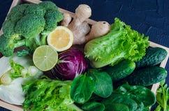 Blandade gröna grönsaker arkivfoton