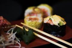 blandade lunchsushi Arkivfoton
