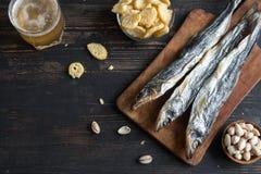 Blandade mellanmål för öl, torkad fisk Arkivbild