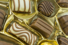 blandade pralines för chokladdjupfält kortsluter Arkivfoto
