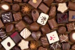 blandade pralines för chokladdjupfält kortsluter Royaltyfria Bilder