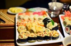 blandade sushi Fotografering för Bildbyråer